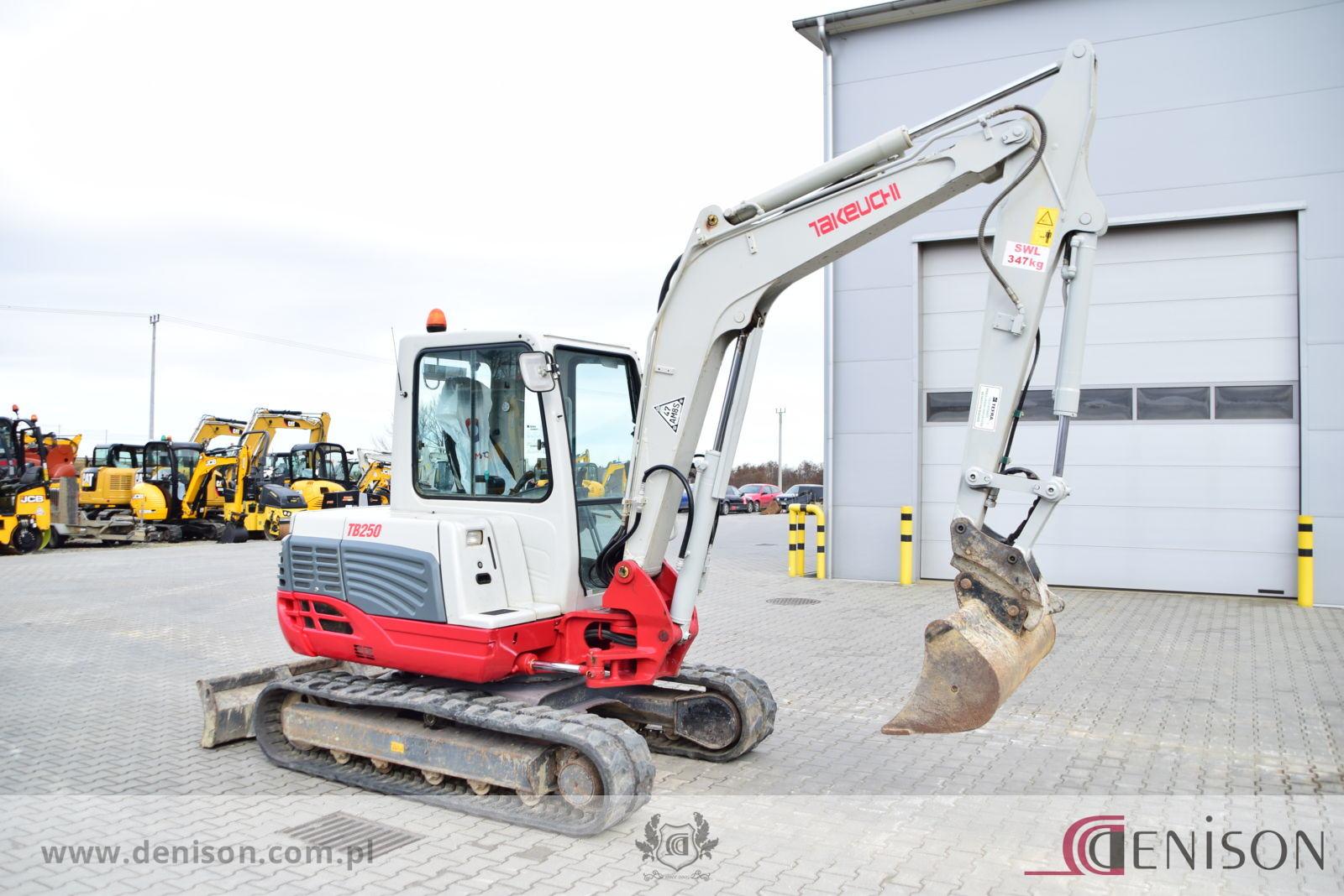 Takeuchi TB250 – Sprzedaż maszyn budowlanych JCB